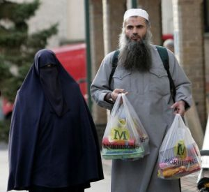 Abu-Qatada-shopping